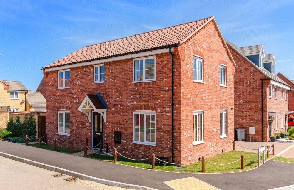4 Bedrooms Detached House for sale in Market Rasen Drive, Bourne, PE10