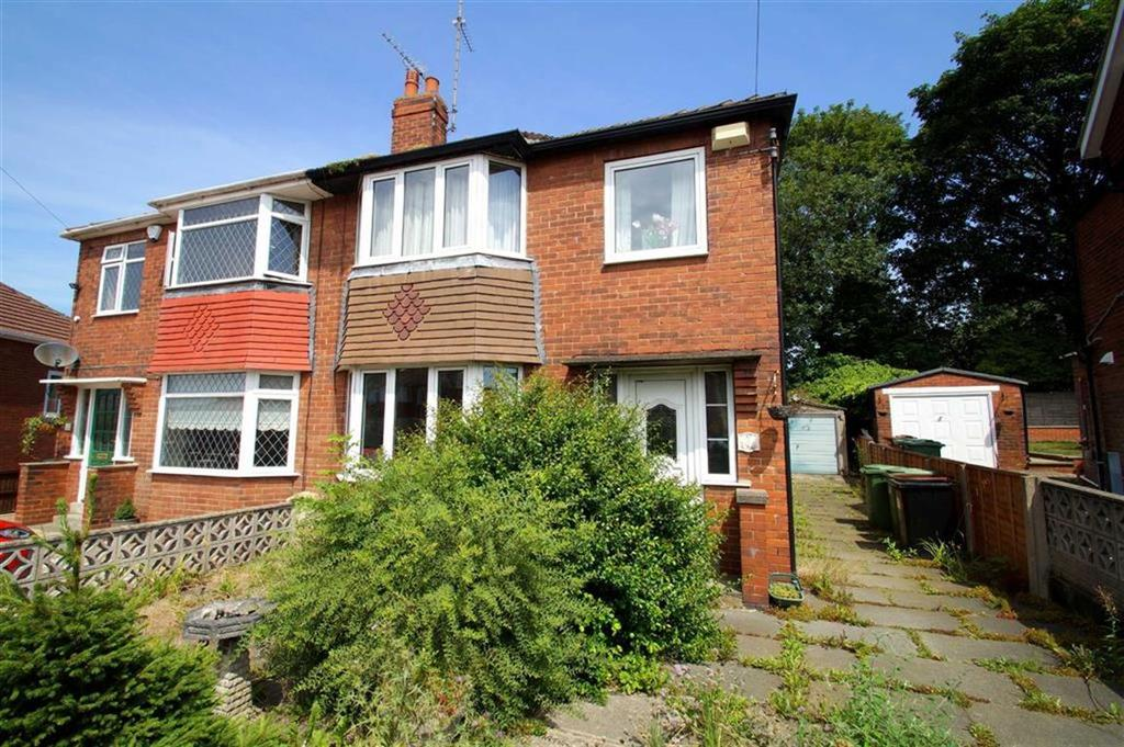 3 Bedrooms Semi Detached House for sale in Hollyshaw Crescent, Leeds