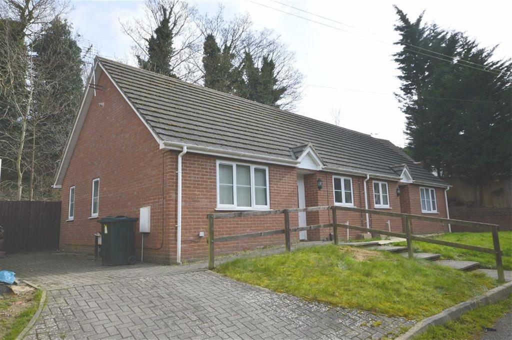 2 Bedrooms Semi Detached Bungalow for sale in Lees Road, Ashford, Kent