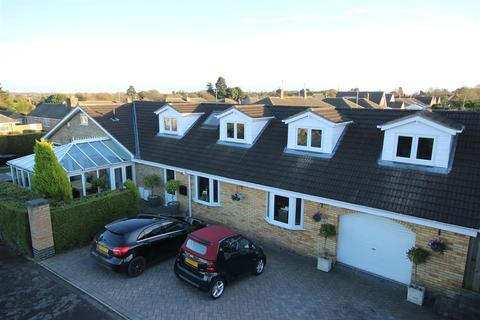 4 bedroom detached house for sale - The Lunds, Kirk Ella, Hull