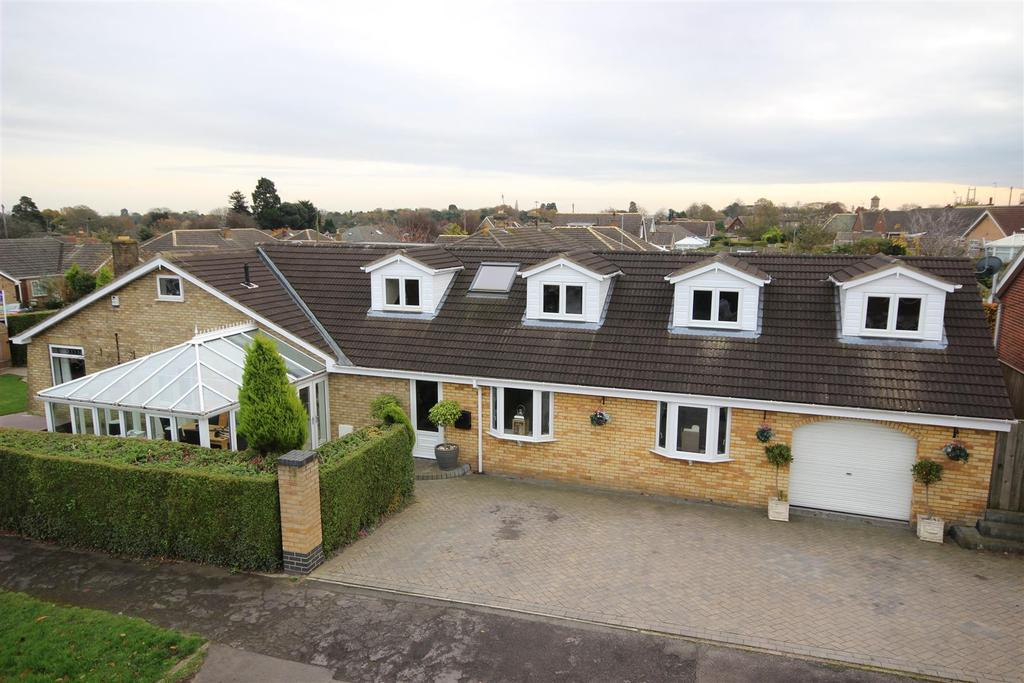 4 Bedrooms Detached House for sale in The Lunds, Kirk Ella, Hull