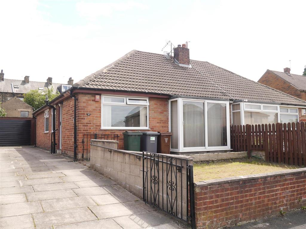 3 Bedrooms Semi Detached Bungalow for sale in Busfield Street, East Bowling, BD4