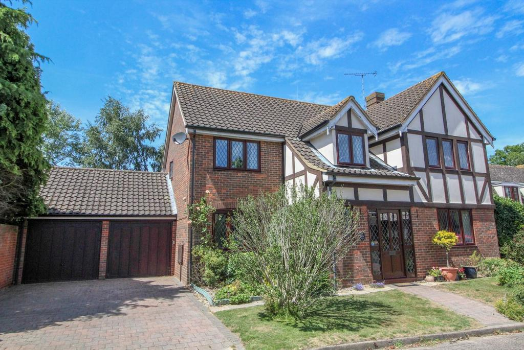 5 Bedrooms Detached House for sale in Warwick Place, Coxtie Green, Brentwood, Essex, CM14
