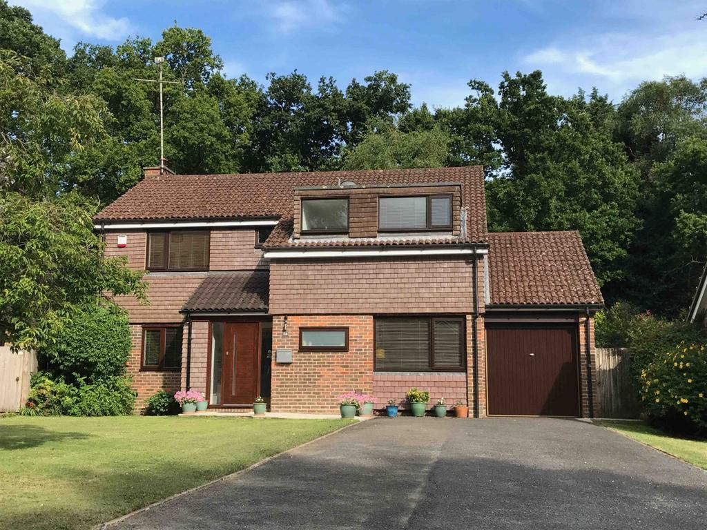 4 Bedrooms Detached House for sale in Costells Edge, Scaynes Hill, Haywards Heath, RH17
