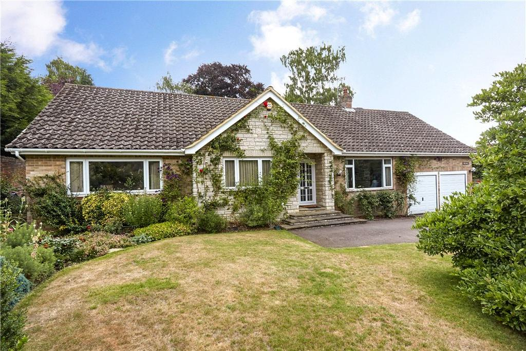 3 Bedrooms Bungalow for sale in Knipp Hill, Cobham, Surrey, KT11