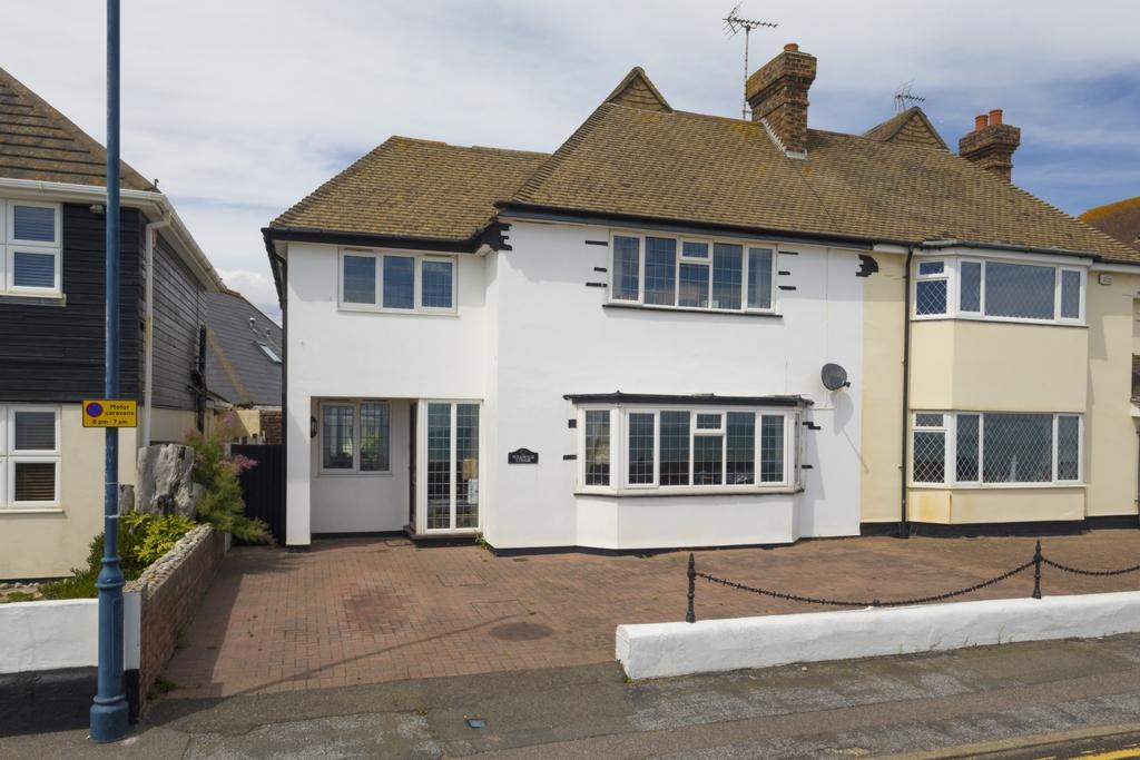 4 Bedrooms Semi Detached House for sale in West Parade, Hythe, CT21