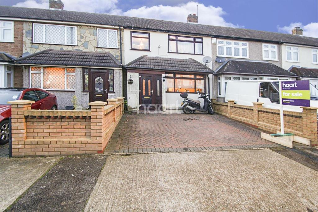 3 Bedrooms Terraced House for sale in Newtons Close, Rainham