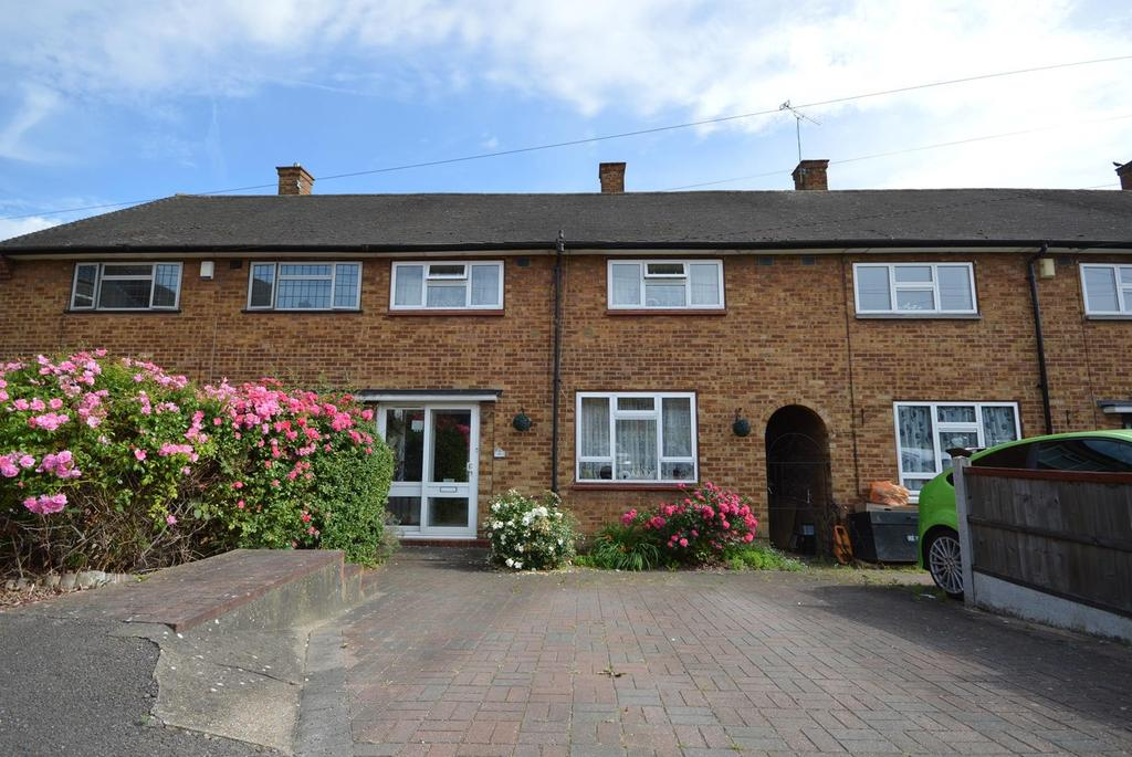 3 Bedrooms Terraced House for sale in Dagnam Park Square, Harold Hill, Romford, RM3