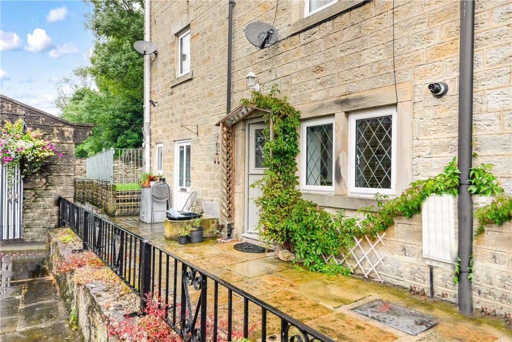 3 Bedrooms Terraced House for sale in High Row, Summerbridge, Harrogate, North Yorkshire