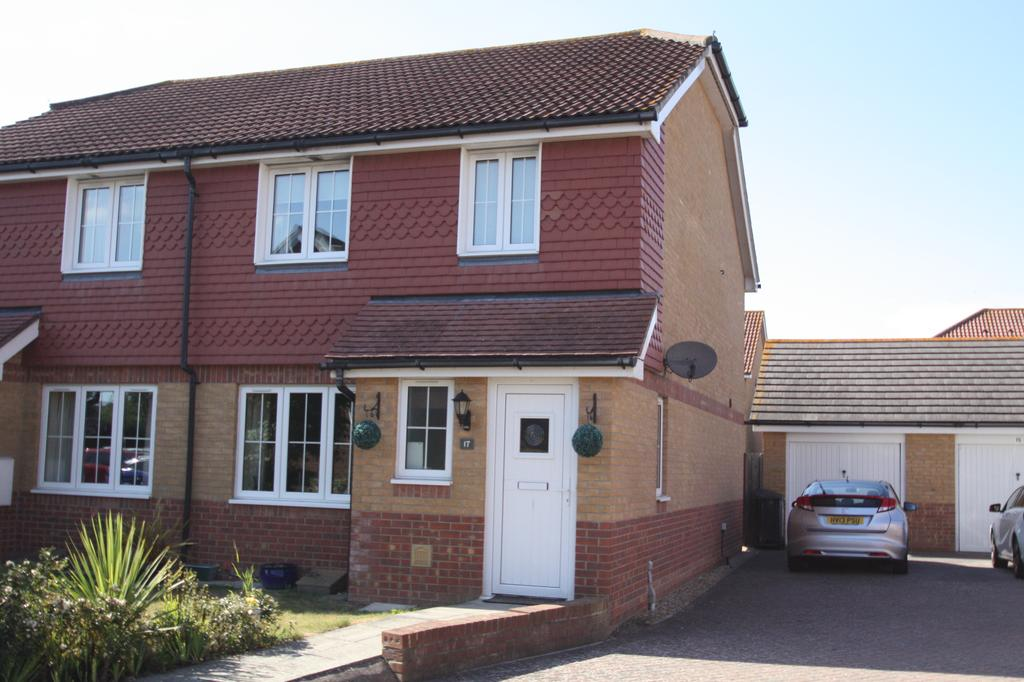 3 Bedrooms Semi Detached House for sale in Albacore Close, Lee on the Solent PO13