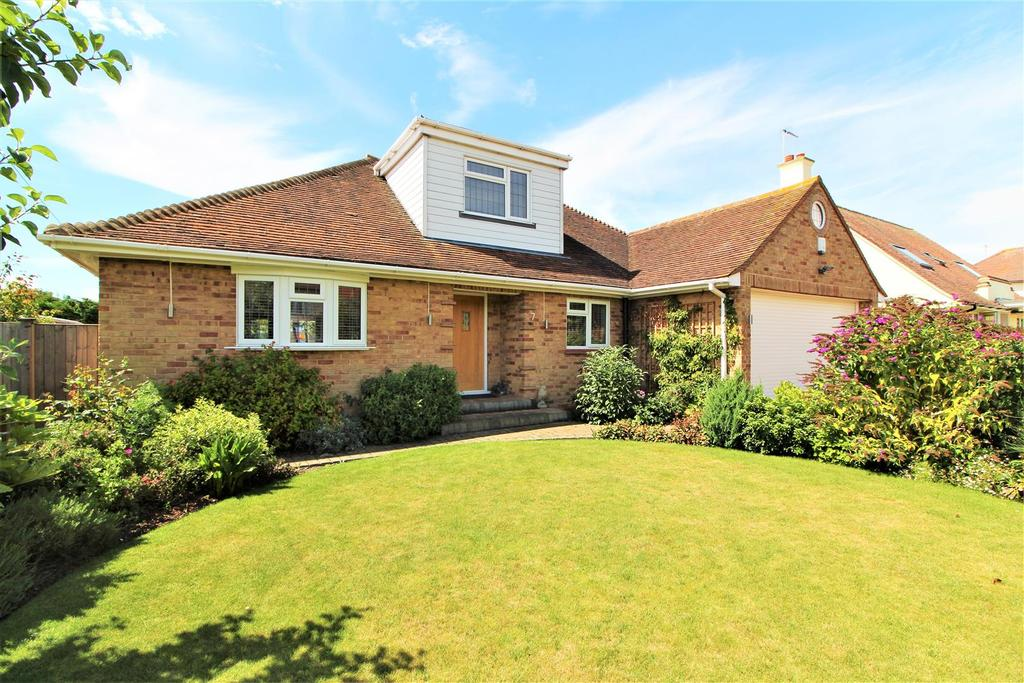 3 Bedrooms Detached Bungalow for sale in Oxford Road, Frinton-On-Sea