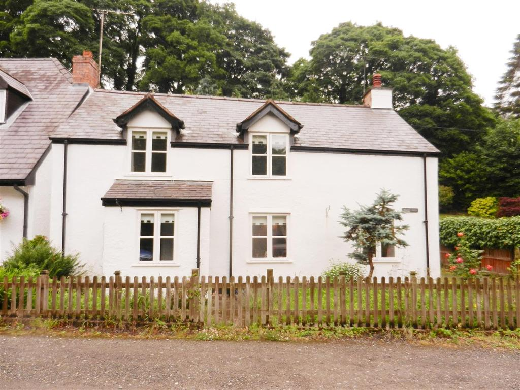 2 Bedrooms Cottage House for sale in Mill Lane, Penycae, Wrexham