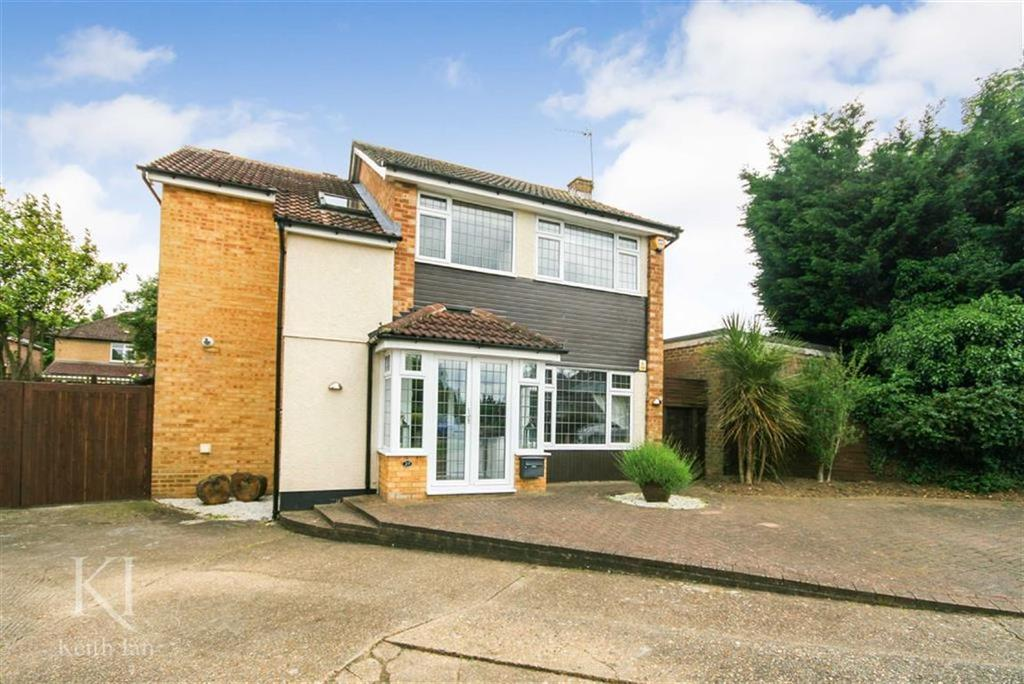 4 Bedrooms Detached House for sale in Windsor Close, West Cheshunt