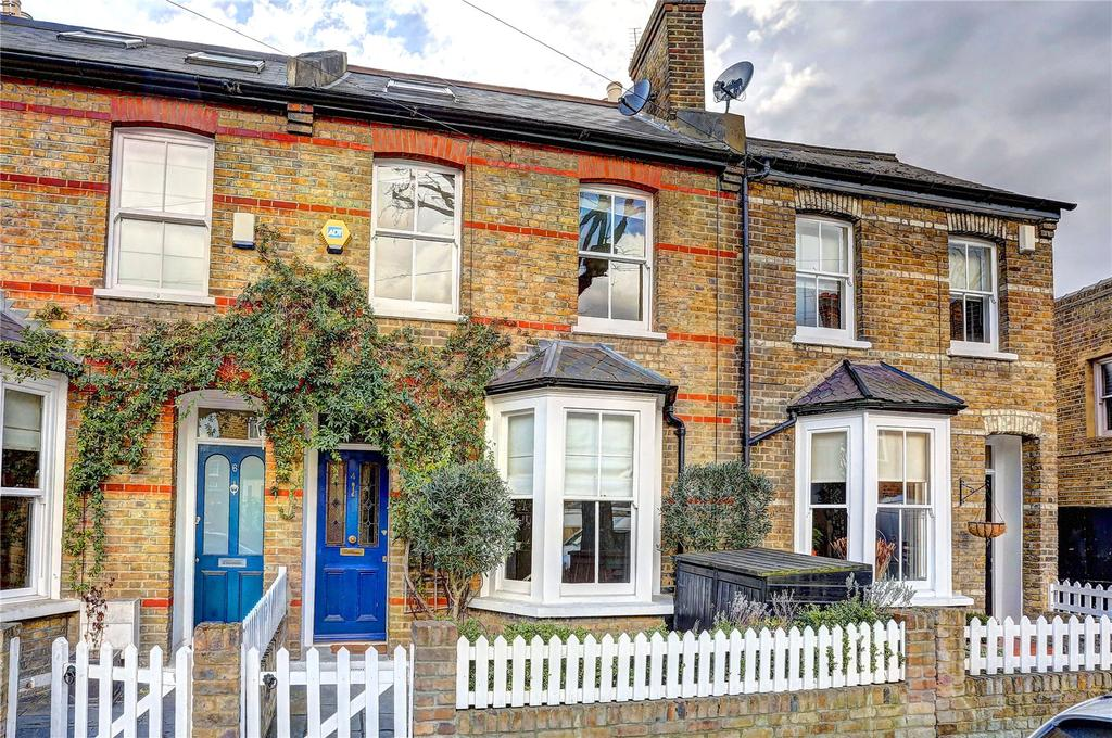 3 Bedrooms Terraced House for sale in Elleray Road, Teddington, TW11