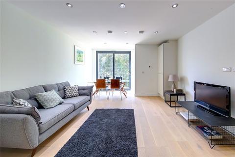 2 bedroom flat for sale - Bramshott Lodge, South Bank, KT6
