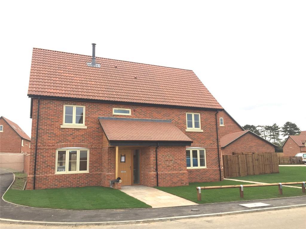 5 Bedrooms Detached House for sale in Plot 11 Poppy Fields, Burlingham Road, East Harling, Norwich, NR16