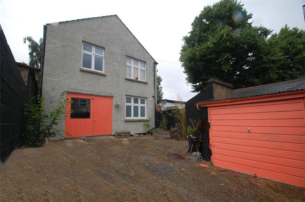 2 Bedrooms Detached House for sale in Brasenose Road, Gillingham, Kent