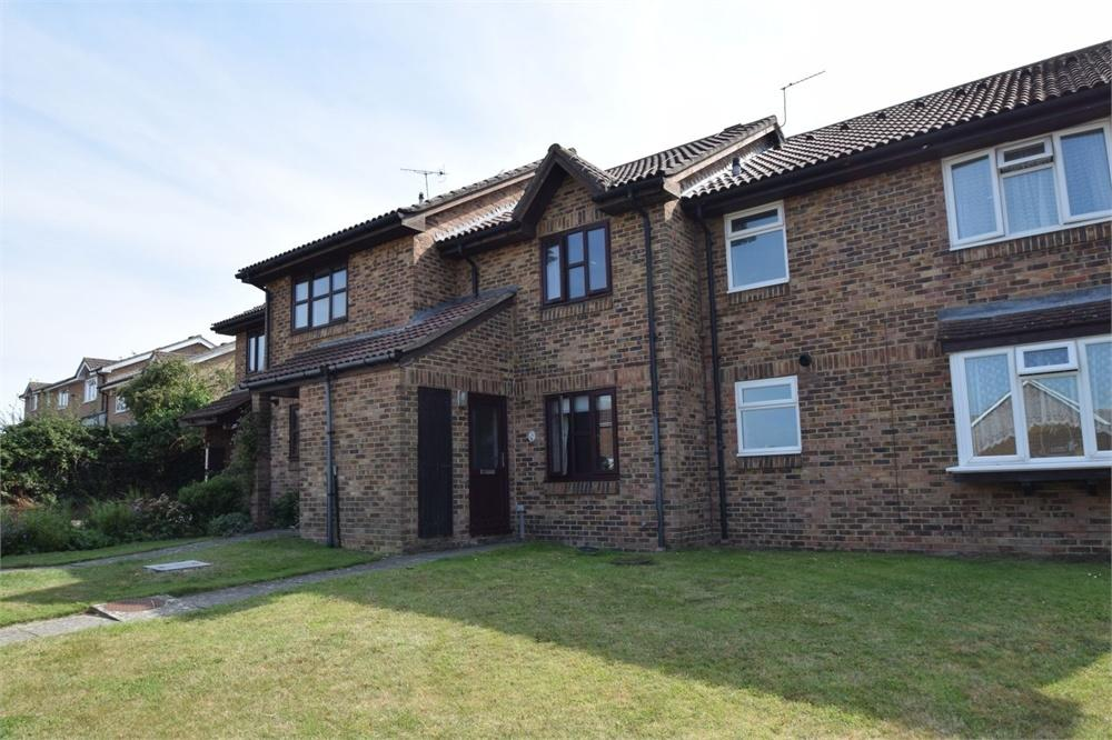 2 Bedrooms Terraced House for sale in Mendip Avenue, North Langney, East Sussex