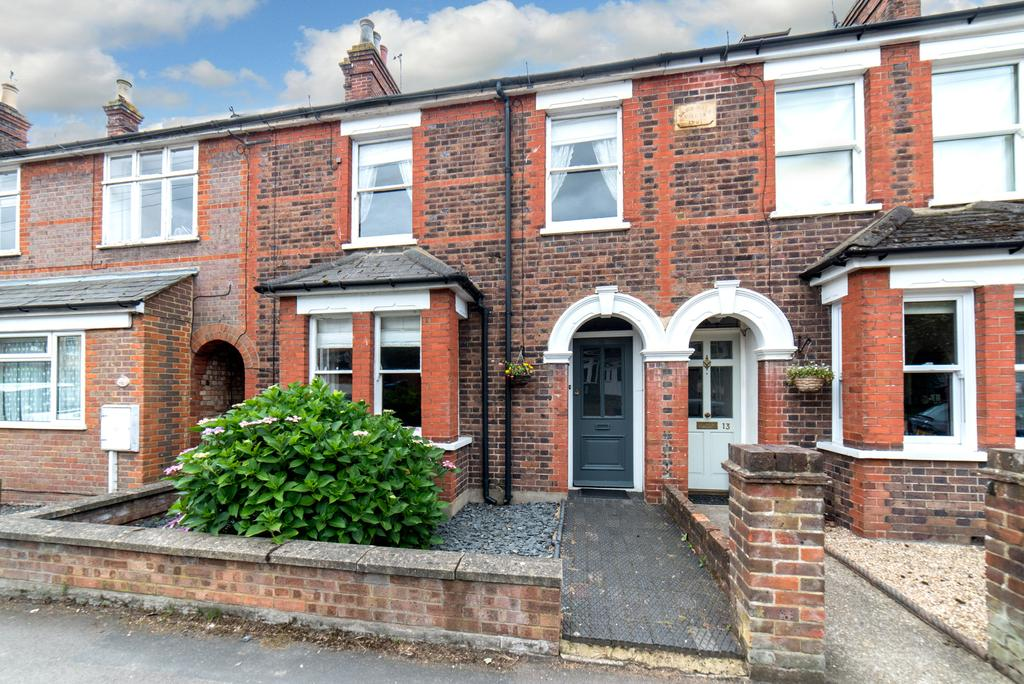 3 Bedrooms Terraced House for sale in Kingsland Road, Boxmoor, Hemel Hempstead HP1