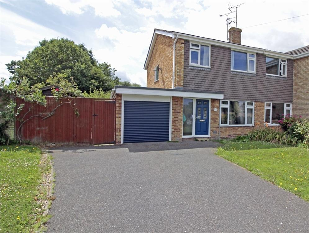 3 Bedrooms Semi Detached House for sale in Grosvenor Close, Tiptree, COLCHESTER, Essex