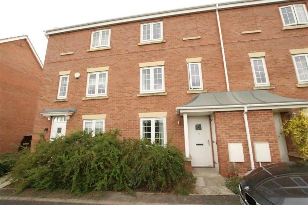 3 Bedrooms Town House for sale in Heaton Lodge, Birstall, West Yorkshire
