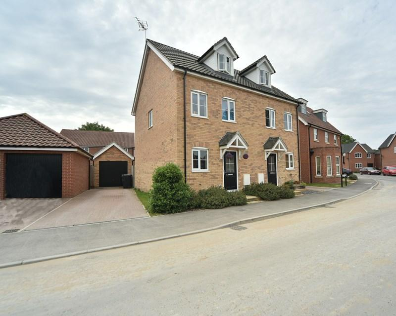 3 Bedrooms Semi Detached House for sale in Barleycorn Way, Beck Row, Bury St. Edmunds