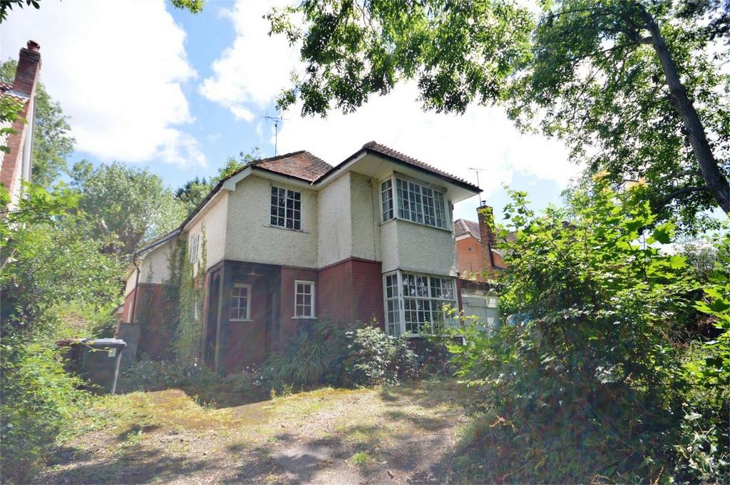 3 Bedrooms Detached House for sale in 202 Stansted Road, Bishop's Stortford