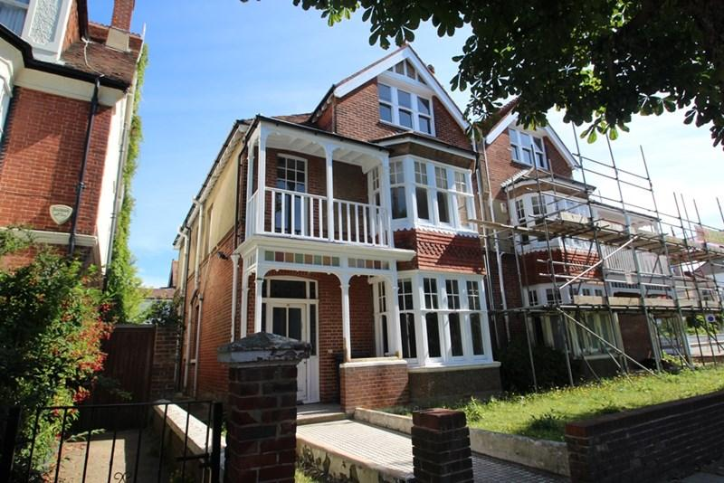 5 Bedrooms Semi Detached House for sale in Pembroke Crescent, Hove