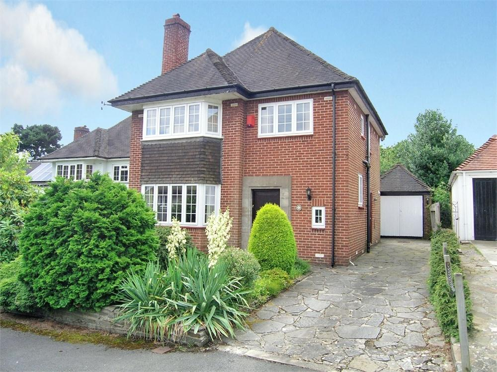 3 Bedrooms Detached House for sale in West Rise, Llanishen, Cardiff
