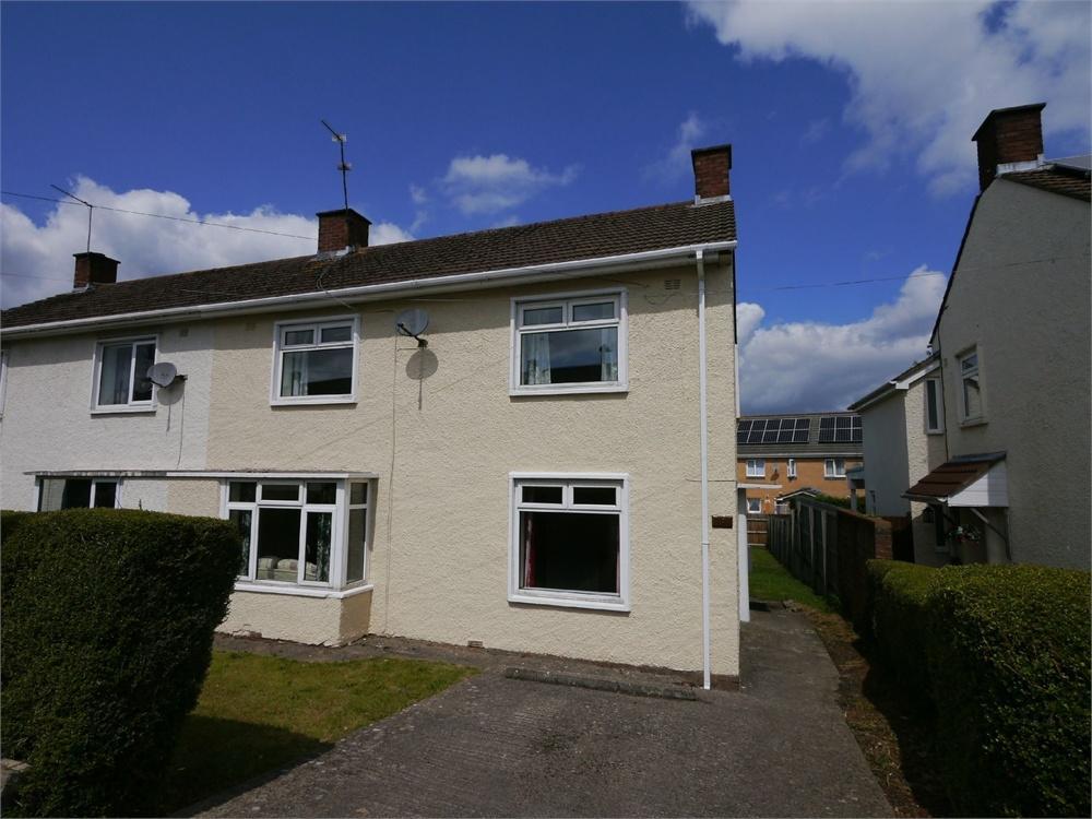 3 Bedrooms Semi Detached House for sale in Cedar Way, Penarth