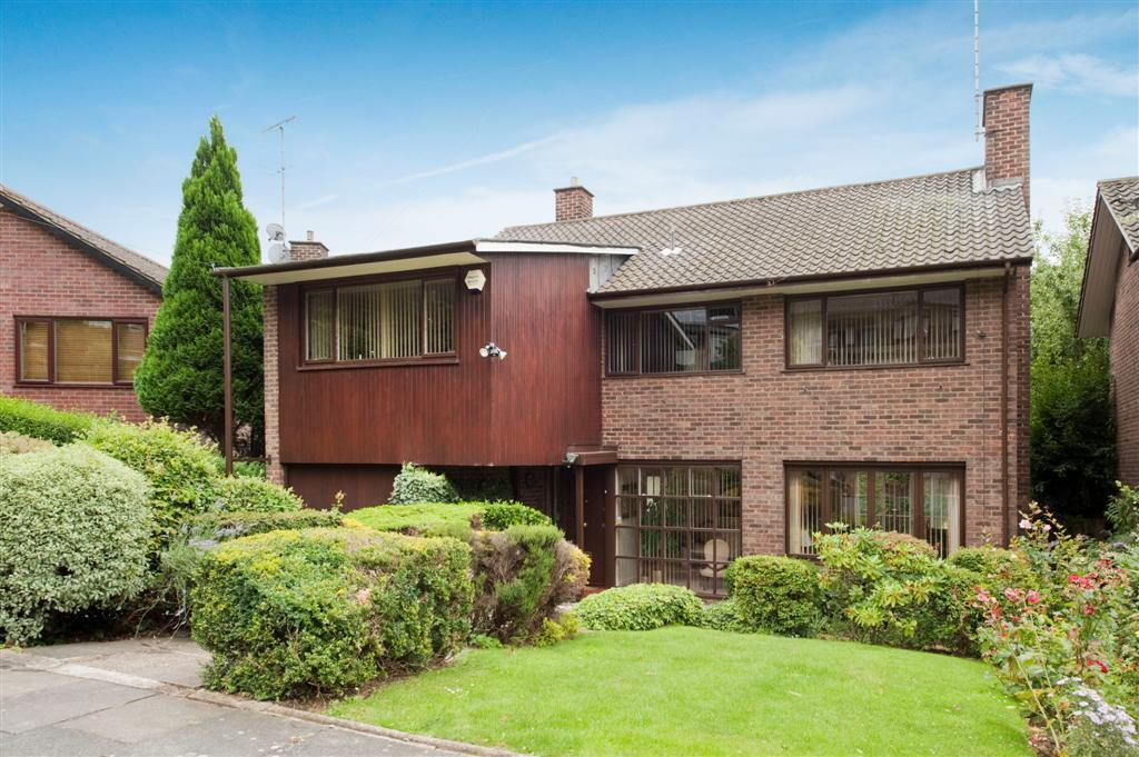 5 Bedrooms Detached House for sale in West Heath Gardens, NW3