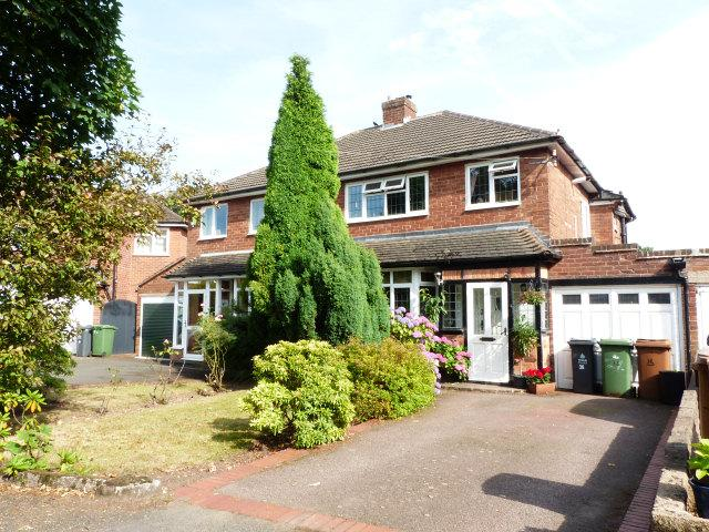 3 Bedrooms Semi Detached House for sale in Northside Drive,Streetly,Sutton Coldfield