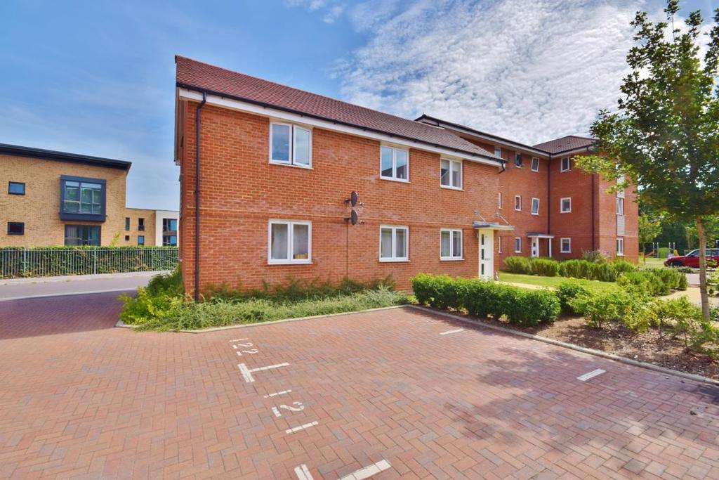 2 Bedrooms Maisonette Flat for sale in Beechdown Place, Basingstoke, RG22