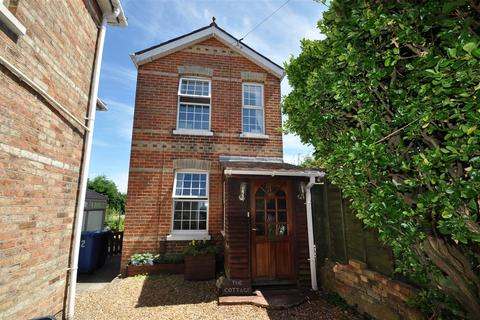 2 bedroom detached house for sale - Parkstone