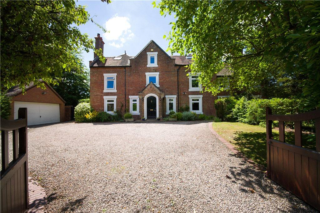 7 Bedrooms Link Detached House for sale in Worcester Road, Great Witley, Worcester, Worcestershire, WR6