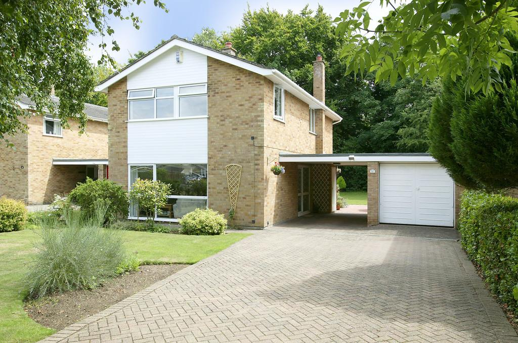 4 Bedrooms Detached House for sale in St Johns Close, Hethersett