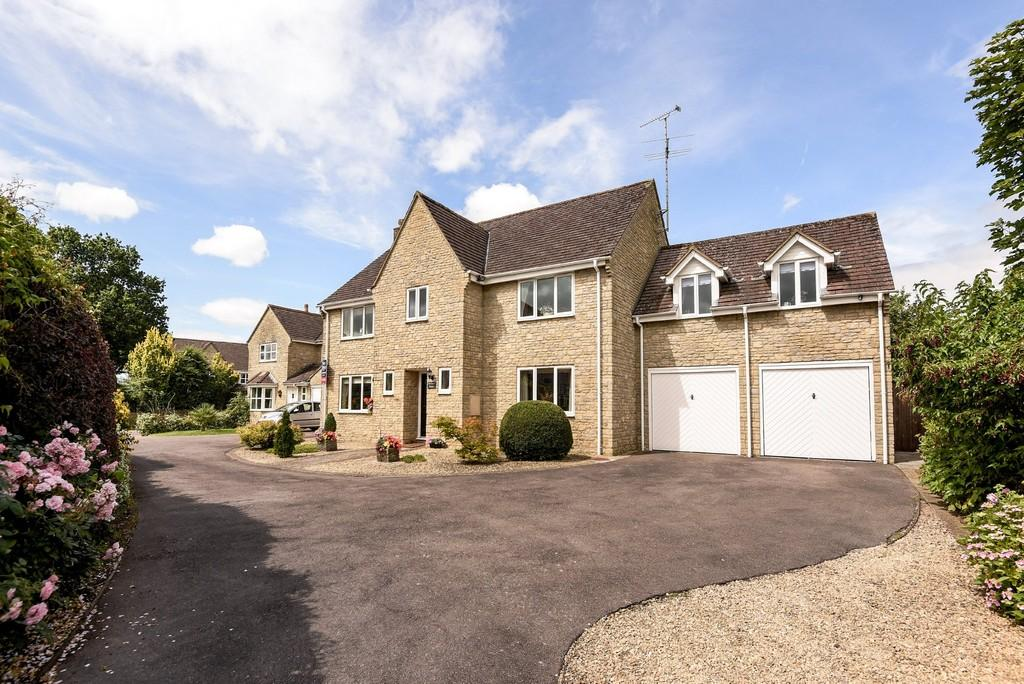 5 Bedrooms Detached House for sale in Tetbury