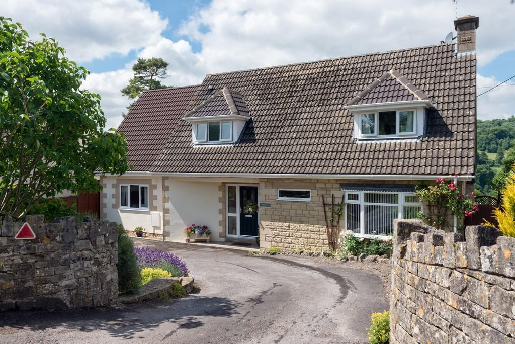 4 Bedrooms Detached House for sale in Brimscombe