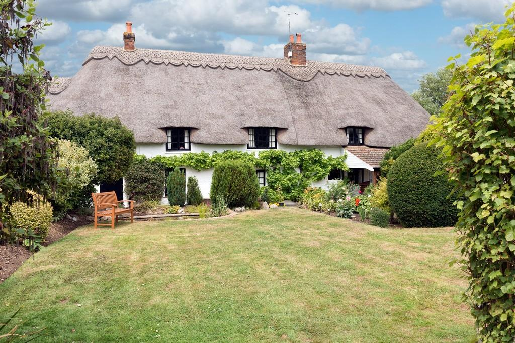 4 Bedrooms Farm House Character Property for sale in South Marston