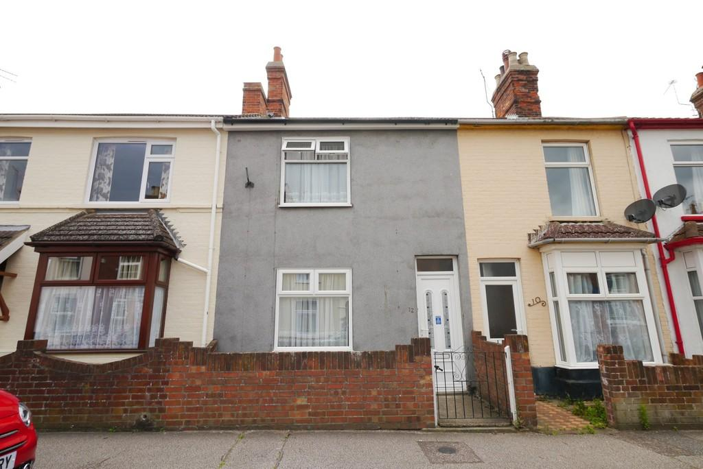 3 Bedrooms Terraced House for sale in Lorne Road, South Lowestoft