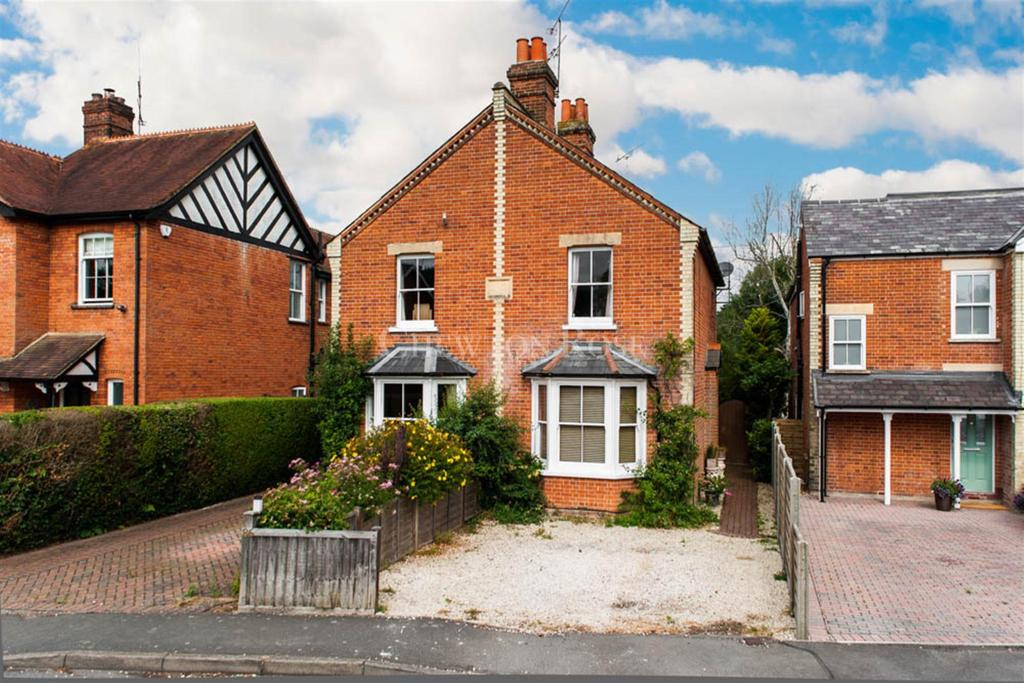 2 Bedrooms Cottage House for sale in Kennel Ride, Ascot
