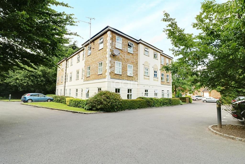2 Bedrooms Flat for sale in Friendship Way, Bracknell