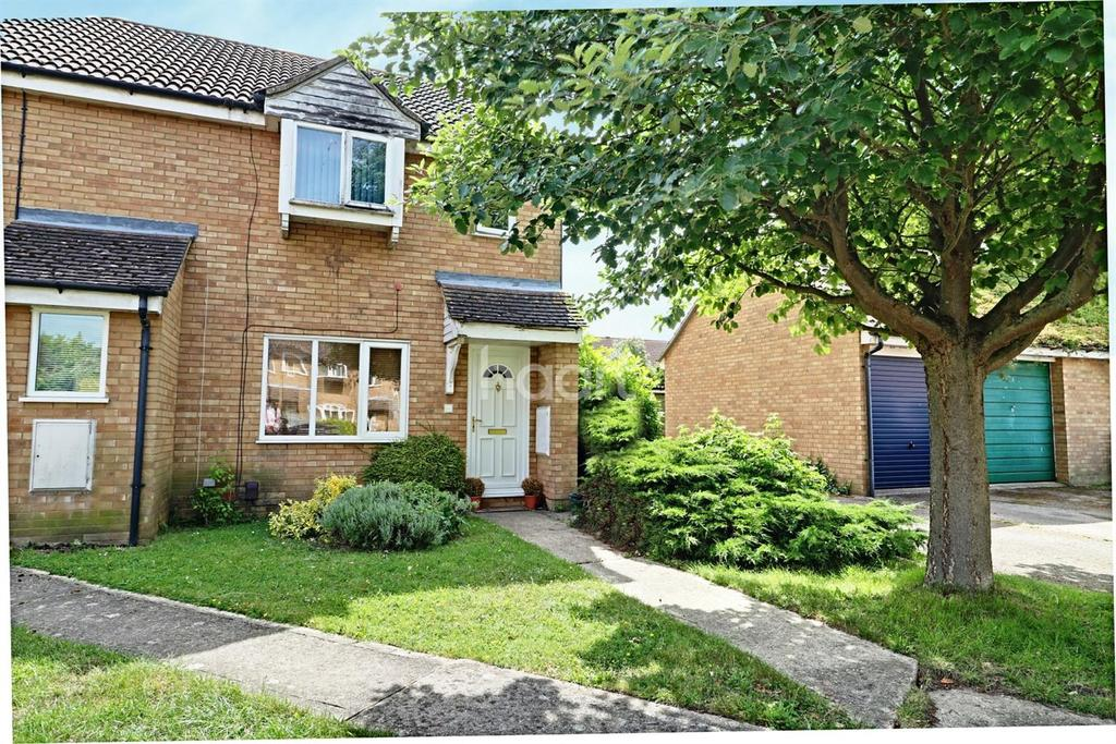 3 Bedrooms Semi Detached House for sale in The Rowans, Milton, Cambridge