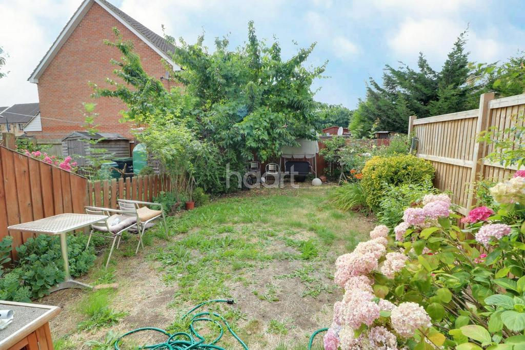 3 Bedrooms Terraced House for sale in Landridge Drive, Enfield, EN1