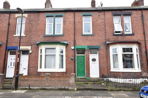 2 bedroom flat to rent - Bede Street, Roker