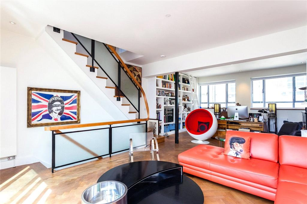 3 Bedrooms House for sale in Fournier Street, London, E1