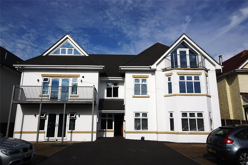 2 Bedrooms Flat for sale in Pinecliffe Avenue, Bournemouth, Dorset, BH6