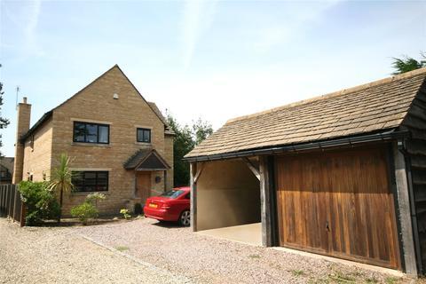 4 bedroom detached house for sale - Millcot, New Road, Woodmancote, Cheltenham, GL52
