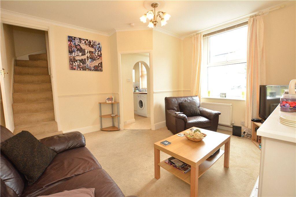 2 Bedrooms Terraced House for sale in Grosmont Terrace, Leeds, West Yorkshire