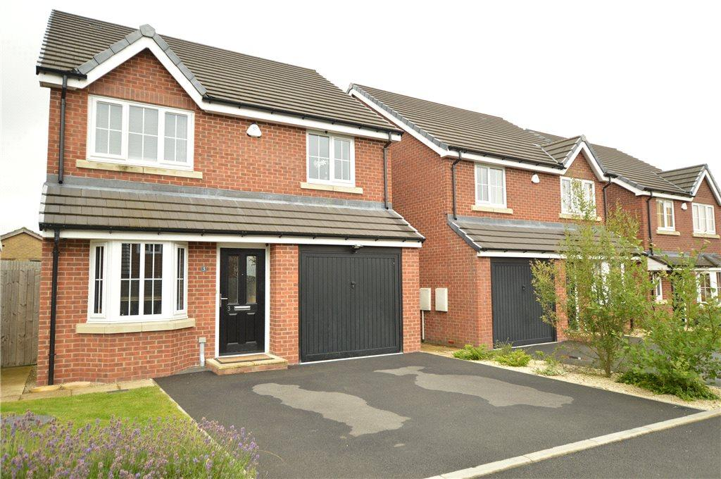 4 Bedrooms Detached House for sale in Westerton Court, Tingley, Wakefield